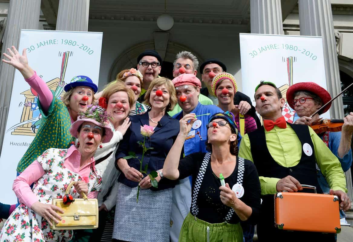 Die Klinik-Clowns Hamburg mit Daniela Schadt, Lebensgefährtin des Bundespräsidenten