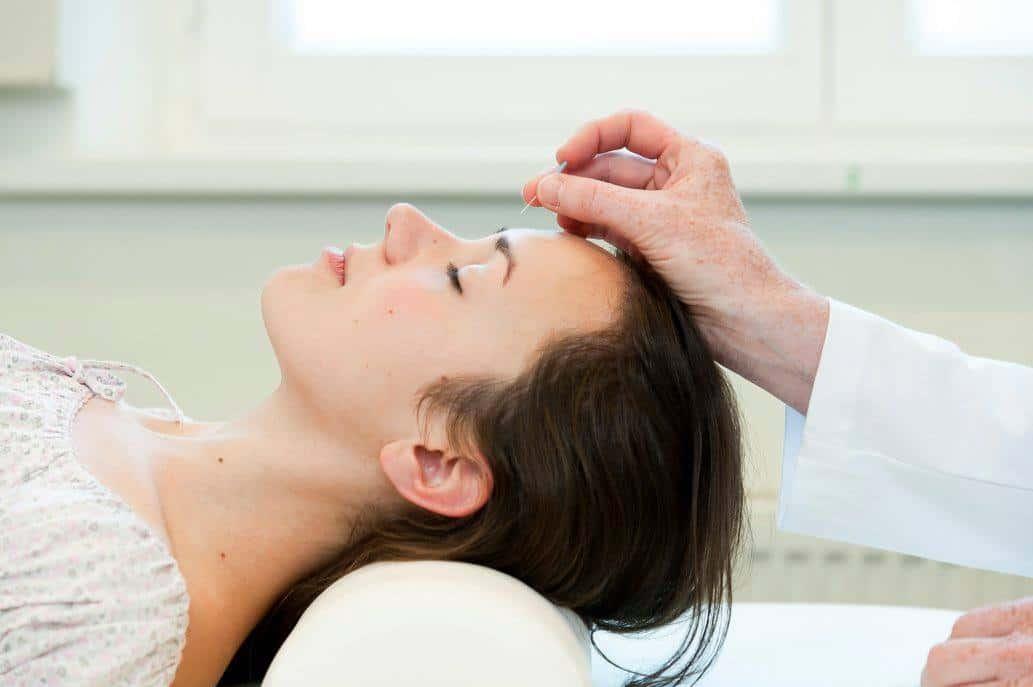 Akupunktur-Behandlung im TCM-Zentrum