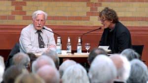 """Arno Surminski liest aus seinem Buch """"Vom Ende des Krieges"""""""