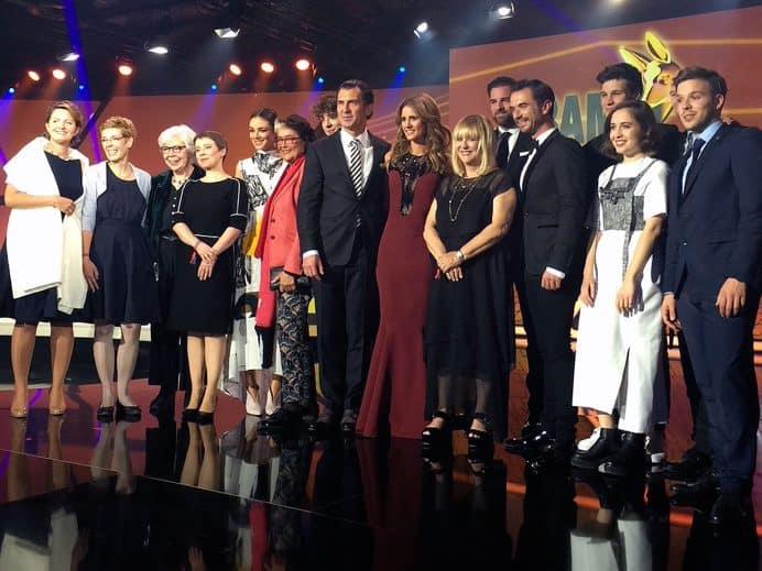 Stolz unter den Preisträger: Johanna Ruoff (links außen)