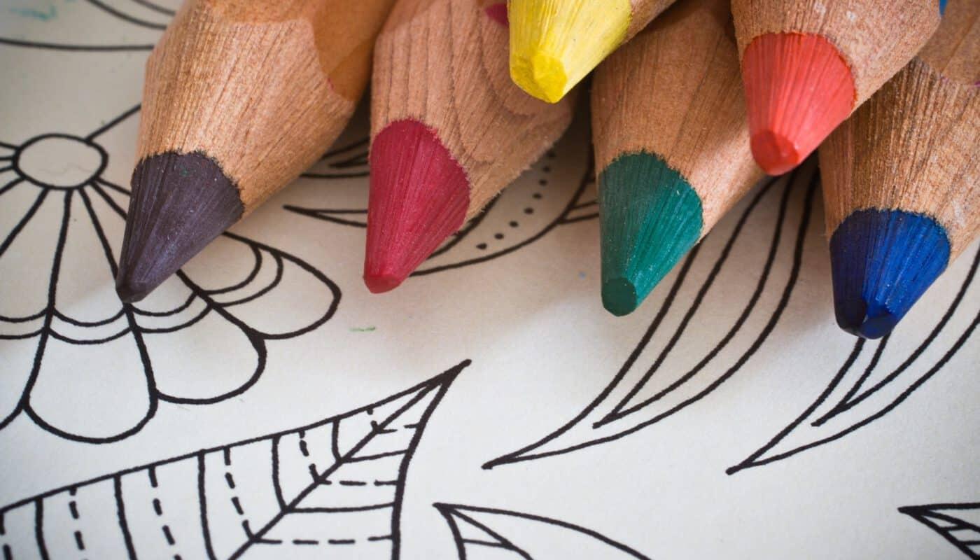 Mitteilen in Farbe und Form: Kunsttherapie