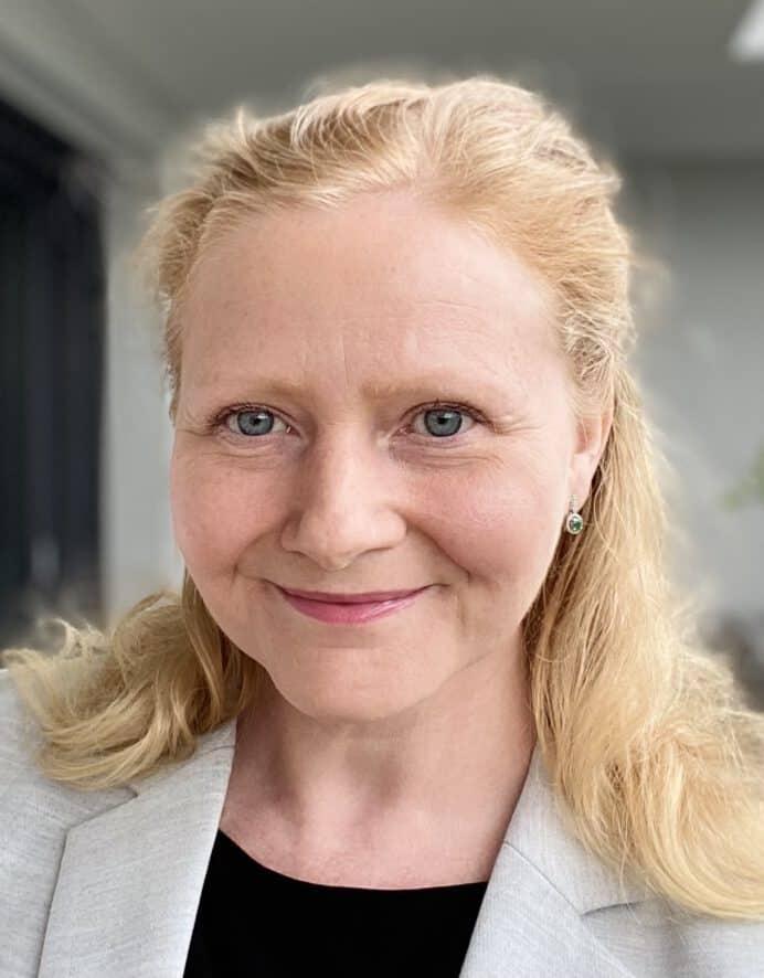 Prof. Tanja Kühbacher
